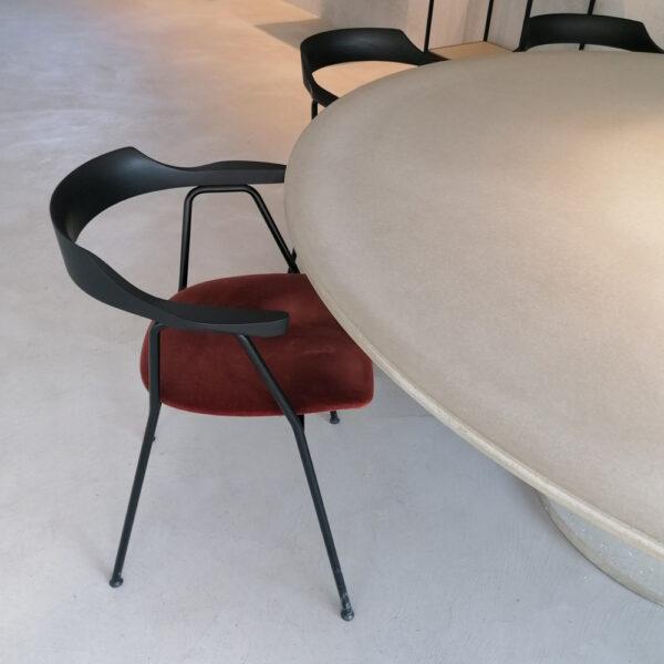 Stühle kombinieren mit Betontisch | dade design