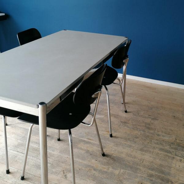 Betonisch und Stühle kombinieren – so klappt's |Egon Eiermann dade design