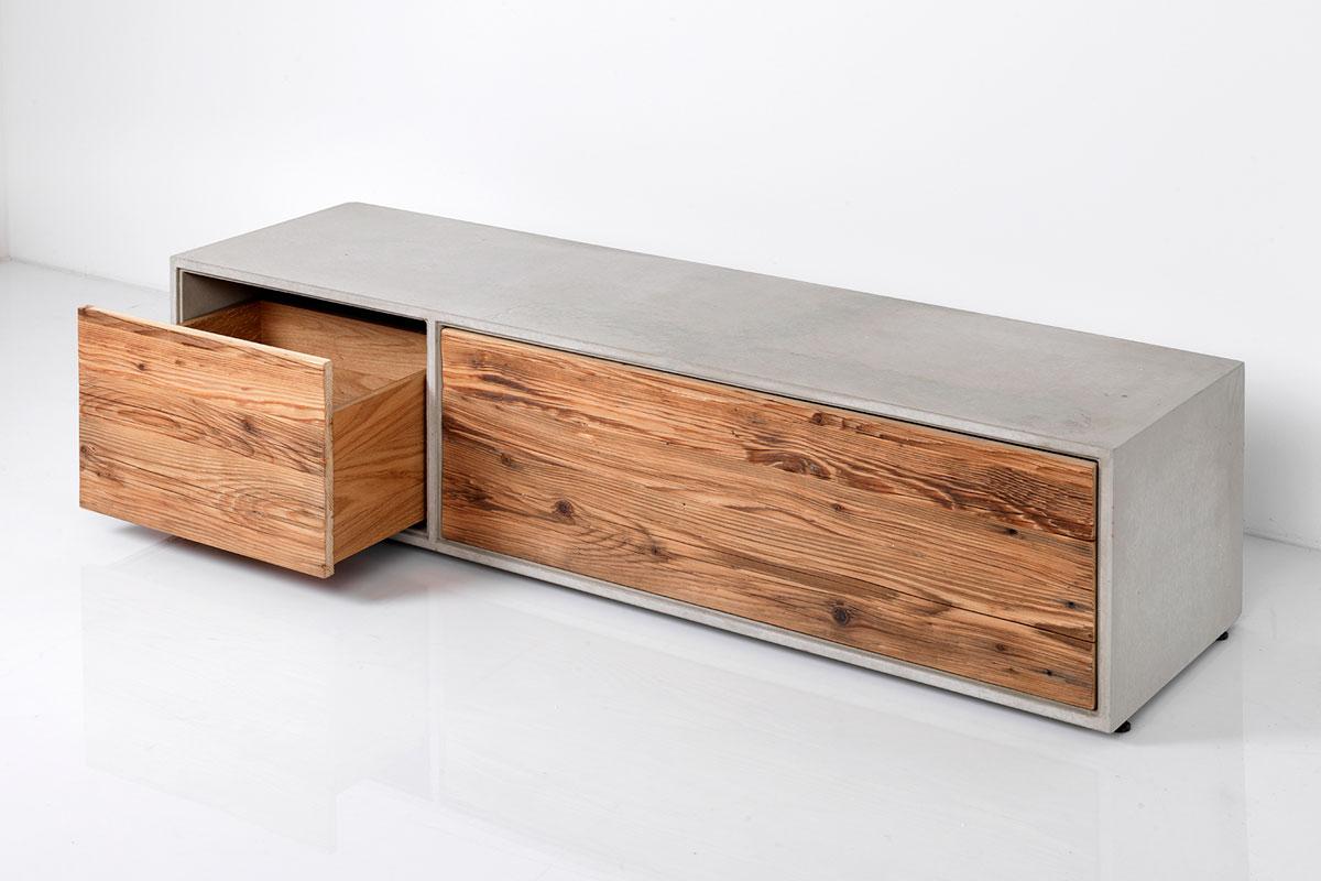 beton lowboard mit altholz/beton