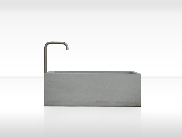 dade-PREMIUMBRUNNEN-150-FRONT01-beton-waschbecken_concrete-cemento-design-shop