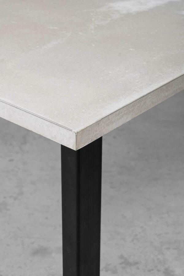 MAXIMILIAN Betontisch Tischfuss Tischgestell Kantrohr concrete cemento | dade design
