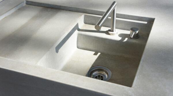 Individuelle Aussenküche Betonbecken | dade design